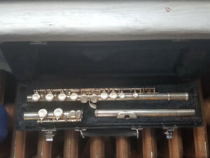 Silver Yamaha Flute with Hard Case