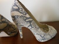 brand new colin stuart open toe snake print high heels