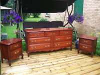 GORGEOUS FRENCH PROVINCIAL 3 PIECE DRESSER SET *** CAN DELIVER