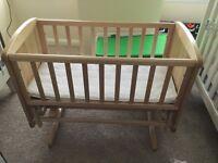 Glider crib with mattress