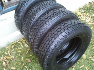 4 Winter tires 195/75/14.......in new condition