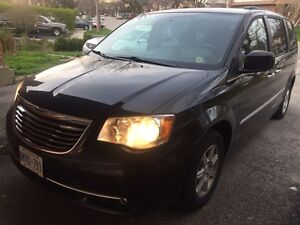 2012 CHRYSLER TOWN AND COUNTRY - FULLY LOADED, ETESTED