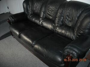 High end Blk Leather couch 4 Sale!