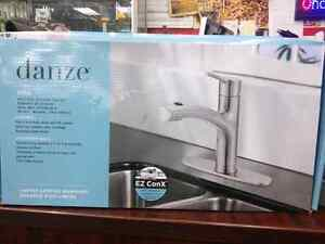 Danze Pull-out Kitchen Faucet