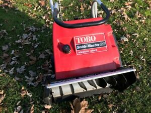 Toro Snowblower- It will snow again so be ready - all tuned up.