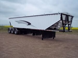 2017 Doepker Tri-axle grain trailer