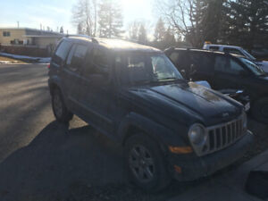2005 Jeep Liberty LImited for sale, needs work. Great for parts!