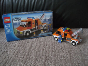 Lego City #7638 Tow Truck