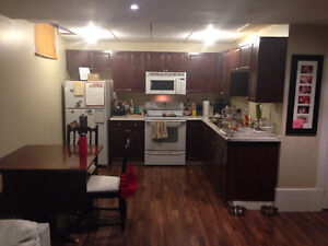 Large 1 bedroom apt Available April1st all Utilities included