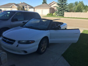 1997 Chrysler Sebring Convertible! Enjoy the Summer Weather