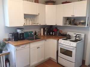 Lightly used kitchen cabinets ideal for an apartment - $700 OBO