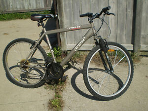 CCM 18 Speed Bicycle