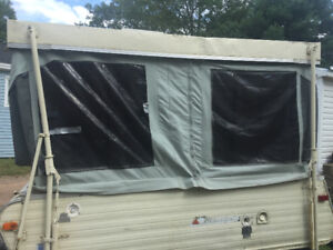 late 70's tent trailer needs work