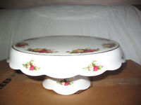 Reduced Old Country Roses Pedestal Cake Stand - New never used