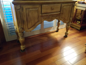 """Beautiful Display cabinet """" IN EXCELLENT NEW CONDITION"""""""