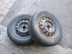 4 pneus avec jante à vendre