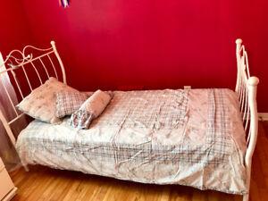 Couette en duvet d'oies et housse lit pour fillettes