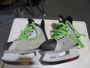 Hockey skates several pair most $10/pr see list and picts