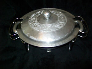Metal Bowl and carrier for cssarole