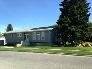Well maintained North Lethbridge, Bungalow