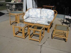 BAMBOO PATIO SUNROON SET - COUCH 3 SIDE TABLES 1 ROUND TABLE