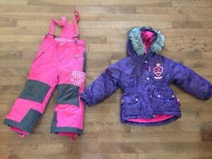 Souris mini winter outfit 2T excellent condition
