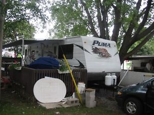 Puma 29 Foot trailer with deck