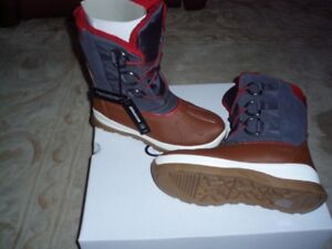 WINTER BOOTS**new in box