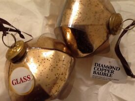 🎄🌟 2 large beautiful copper diamond shaped glass baubles
