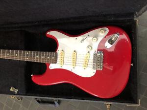 Fender Stratocaster made in Japan 90s Hardshell case