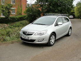 2011(61) VAUXHALL ASTRA 1.7 CDTI EXCLUSIVE ESTATE - FSH - ONE OWNER - £30 TAX -