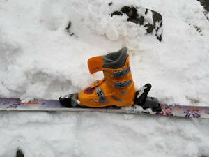 Rossignol skis 120 cm and boots youth size 3.5