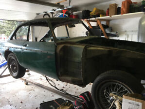 1967 MgB GT for restoration or parts (includes rotisserie)