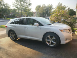 2010 Venza V6 AWD|73k KM|Panaramic Sunroof|MINT|Single Owner