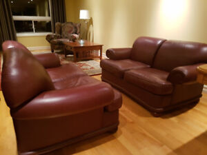 """"""" Chesterfield """" 100% Top Grain Leather Loveseats, Can Deliver"""