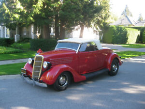 1935 Ford Deluxe Roadster + Others