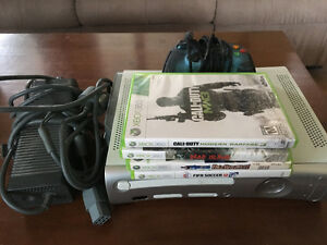 Xbox 360 w Controller and 4 games