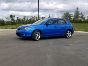 2005 Mazda 3 Hatchback. Very low Kms.