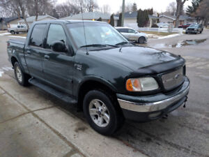 2002 Ford F-150 Supercrew 4x4 Lariat Loaded with heated leather!