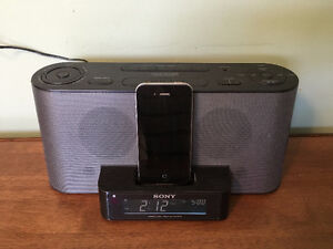 Sony FM/AM Clock Rado with dock for iPhone 4S and earlier