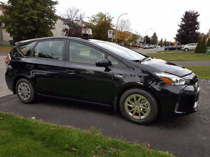 2017 Toyota Prius v (With A11 Taxi Permit)