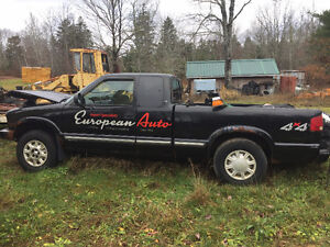 2002 Chevrolet S-10 GMC Sonoma 4X4 PARTS ONLY NO PAPERS