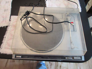 JVC L-A100 Turntable for sale for parts.  Won`t turn on.