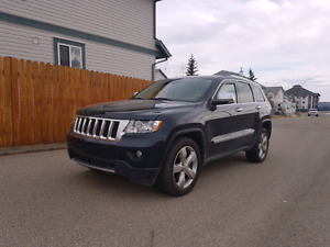 2011 Jeep Grand Cherokee Overland **ONLY 92,000KMS**