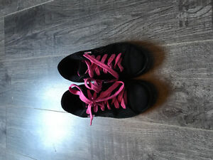 Womens/kids shoes