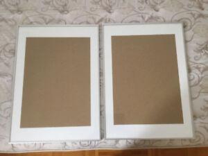 Deux cadres LOMVIKEN 50 x70 cm à 30$