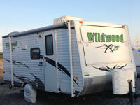 Wildwood by Forest River 17 foot hybrid style travel trailer