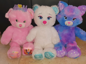 3 Build a Bears in excellent condition