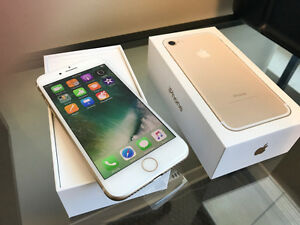 **** iPhone 7 / Gold / 32gb / NEW IN BOX / ROGERS***