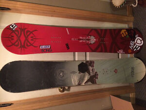 2 SNOWBOARDS